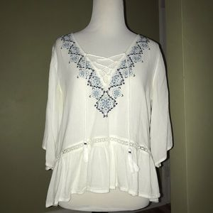 abercrombie & fitch white flowy blouse!